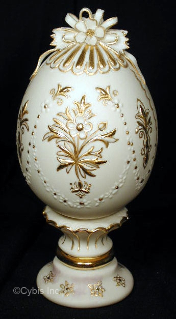 EGG EMBELLISHED WITH GOLD by Cybis