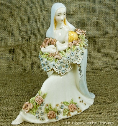 h18-holland-mold-seated-madonna-and-child