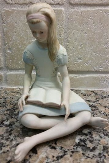 Alice in Wonderland with alternate lace