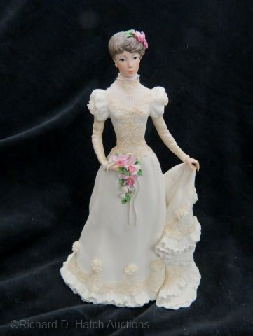 BRIDE COMMEMORATIVE brunette by Cybis