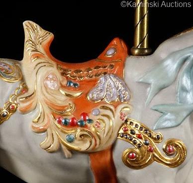 carousel-bull-plutus-detail