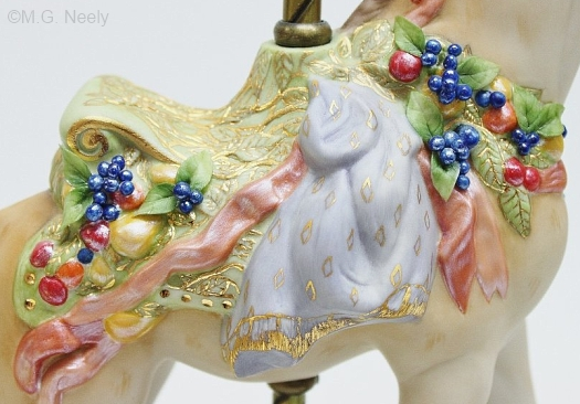 carousel-giraffe-detail