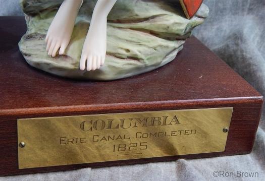 columbia-plaque-detail