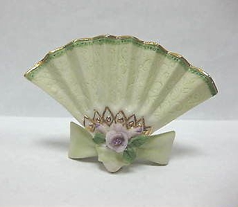 FAN PLACE CARD HOLDER in green by Cybis