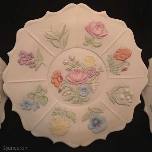 FLOWER PLATE by Cybis