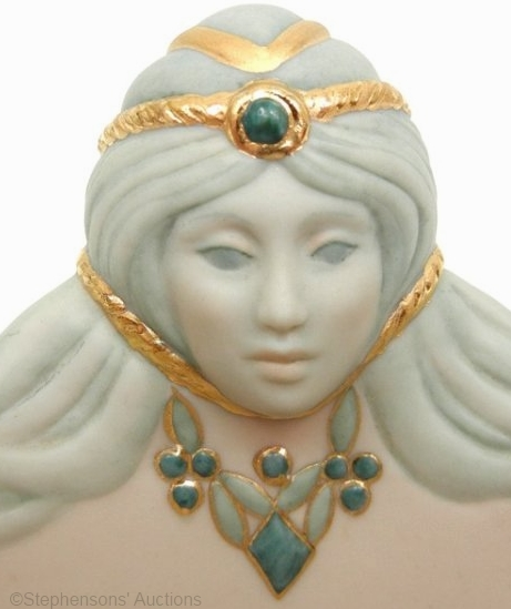 gemini-bowl-by-cybis-detail