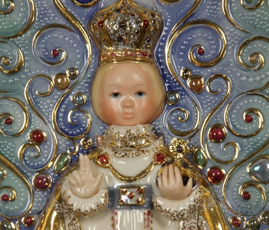 holy-child-of-prague-plaque-detail-1