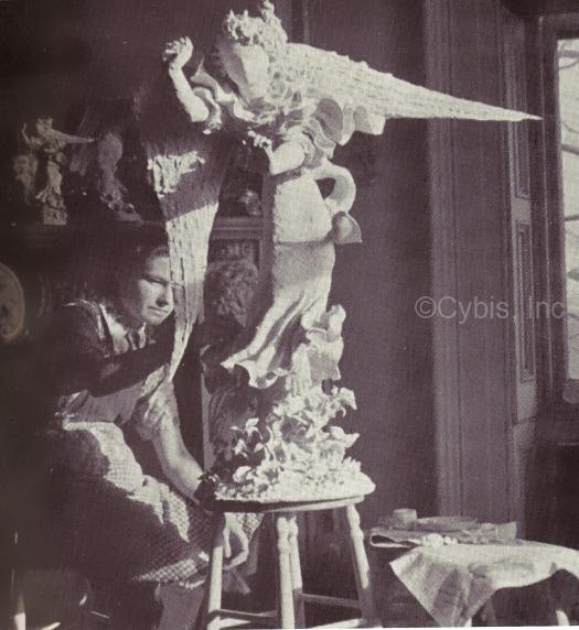 Marja Cybis sculpting angel