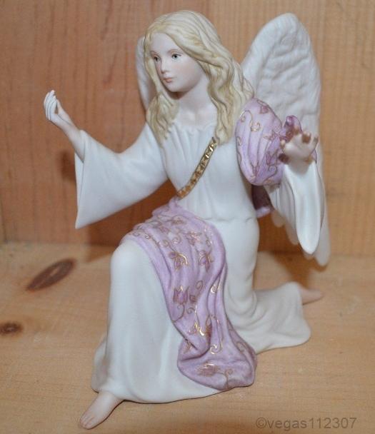 NATIVITY ANGEL KNEELING in color ca 1980s by Cybis