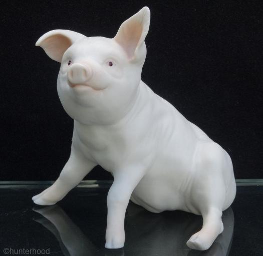 PIG PLATO by Cybis
