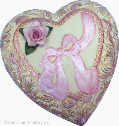 ROMANCE Heart Box Breast Cancer edition by Cybis