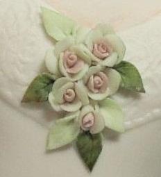 scarlett-white-blush-roses