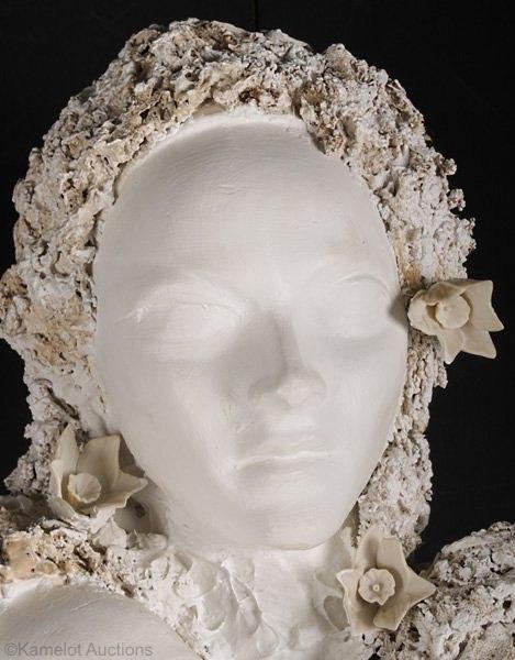 triple-female-head-detail