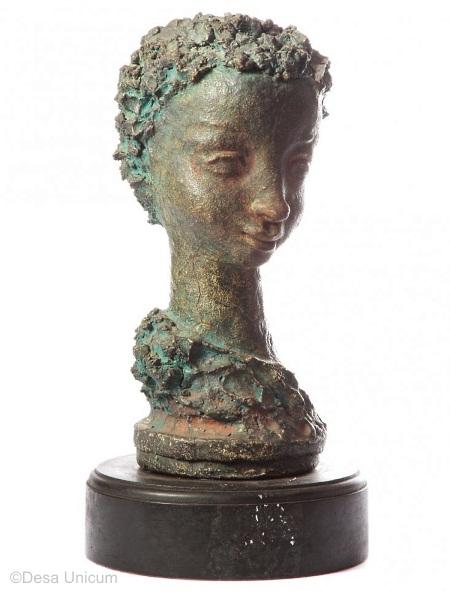 WOMANS HEAD circa 1940s by Marja Cybis view 1