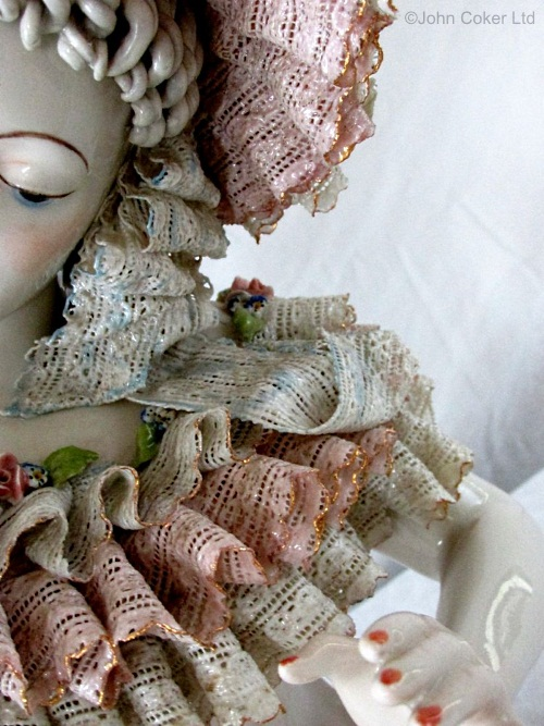 01-detail-of-cordey-dipped-lace