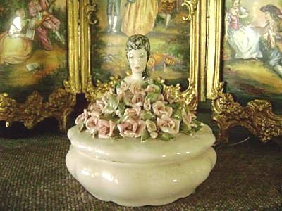 Cordey ladyhead rose box view 1