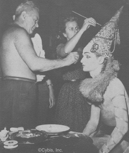 Boleslaw Cybis costuming an actor ca 1950s