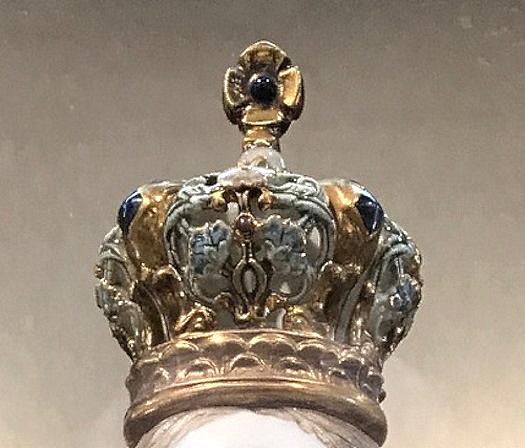 Cybis 'Crowning Glories'